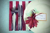 Retro Vintage Style Happy Thanksgiving Dining Table Place Setting In Modern Pale Blue, Red And White