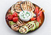 Grilled vegetables with garlic dip