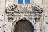 picture of stone house  - The old Baroque town house - JPG