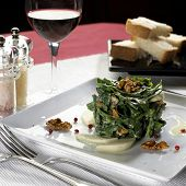 Spinach With Apple And Nut