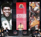 CANTON, OH-AUG 3: Former Green Bay Packers linebacker Dave Robinson gives his speech during the NFL