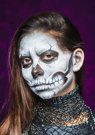 foto of day dead skull  - Young woman in day of the dead mask skull face art - JPG