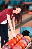 pic of bowling ball  - Choosing a ball - JPG