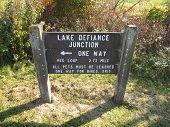 Lago Defiance junção guia sinal no Moraine Hills State Park