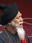 Dr. Lonnie Smith Is A Guest Musician