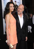LOS ANGELES - MAR 28:  Bruce Willis & Emma Heming arrives to the
