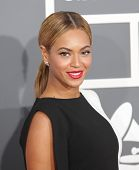 LOS ANGELES - FEB 10:  Beyonce arrives to the Grammy Awards 2013  on February 10, 2013 in Los Angele