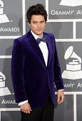 LOS ANGELES - FEB 10:  John Mayer arrives to the Grammy Awards 2013  on February 10, 2013 in Los Angeles, CA.