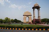 foto of india gate  - War memorial in a city - JPG