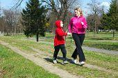 Madre con el hijo en el Parque