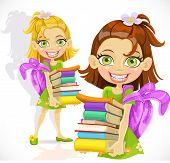 Colegiala con una pila de libros