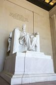 Abraham Lincoln statue at the Lincoln memorial