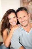 Closeup von zu Hause glückliches Paar
