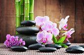 concepto de spa con piedras zen y orquídea