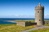Doonagore castle near Doolin - Ireland