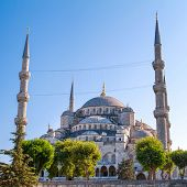 The Blue Mosque (Sultanahmet Camii), Istanbul, Turkey
