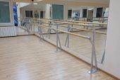 pic of ballet barre  - the image of a ballet barre - JPG