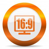 16 9 display computer icon on white background