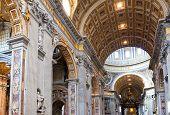 Italia. Roma. Vaticano. Basílica de San Pedro. Vista interior.
