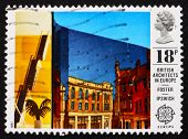 Postage stamp GB 1987 Willis Faber and Dumas Building, Ipswich