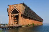 Erz-Dock