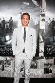 LOS ANGELES - JUL 10:  Thomas Sadoski arrives at the HBO series