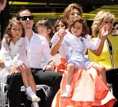 LOS ANGELES - JUN 19:  Jennifer Lopez, Casper Smart, Emme and Max arrives to the Walk of Fame Honors