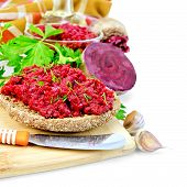 picture of beet  - Sandwich with beet caviar and dill - JPG
