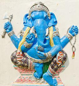 stock photo of avatar  - God of success 23 of 32 posture - JPG