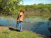 Aboriginalwomanfishing