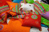 Almohadas colores
