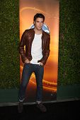 LOS ANGELES - SEP 28:  Joshua Bowman arrives at the ABC Sunday Night Event at Lexington Social Club