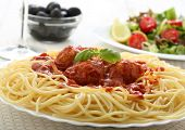 meat balls with tomato sauce with pasta