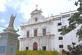 image of tabernacle  - portugese colonial style churches are scattered around diu - JPG