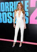 LOS ANGELES - NOV 20:  Bella Thorne arrives to the