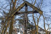 picture of crucifix  - Wooden shrine  - JPG