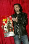 UNIVERSAL CITY - DEC. 4:Bruce Kulick arrives at publicist Mike Arnoldi's birthday celebration & Brit