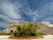 Castillo Syracuse. Sicilia, Italia. Frederick Ii Castillo (Castillo maniace)-patrimonio de la humanidad