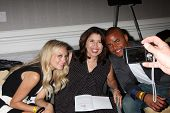 LOS ANGELES - AUG 24:  Melissa Ordway, fan, Redaric Williams at the Young & Restless Fan Club Dinner