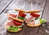 Crackers With Ham