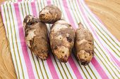 pic of jerusalem artichokes  - Jerusalem artichoke, topinambur, tuberosus, root vegetable, food