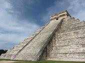 Chitzen Itza Temple Mexico